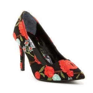 Charles David Floral Embroidered Pump